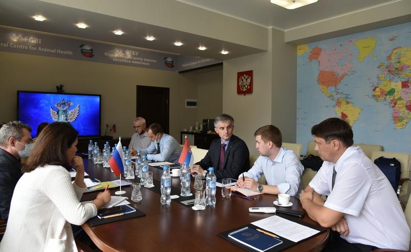 Руководитель Регионального представительства МЭБ в Москве Будимир Плавшич посетил ФГБУ «ВНИИЗЖ»